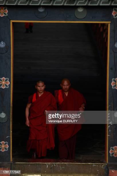 Deux moines, 6 mars 2017, Punakha, Bhoutan.