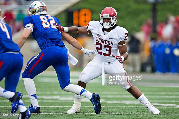 Devante Bond of the Oklahoma Sooners plays defense during a game against the Tulsa Golden Hurricanes at H.A. Chapman Stadium on September 6, 2014 in...