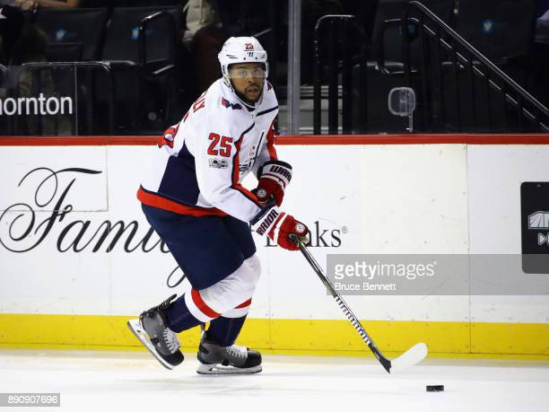 Devante SmithPelly of the Washington Capitals skates against the New York Islanders at the Barclays Center on December 11 2017 in the Brooklyn...