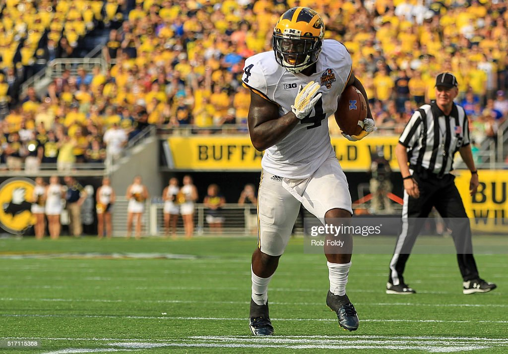 Buffalo Wild Wings Citrus Bowl - Michigan v Florida : News Photo