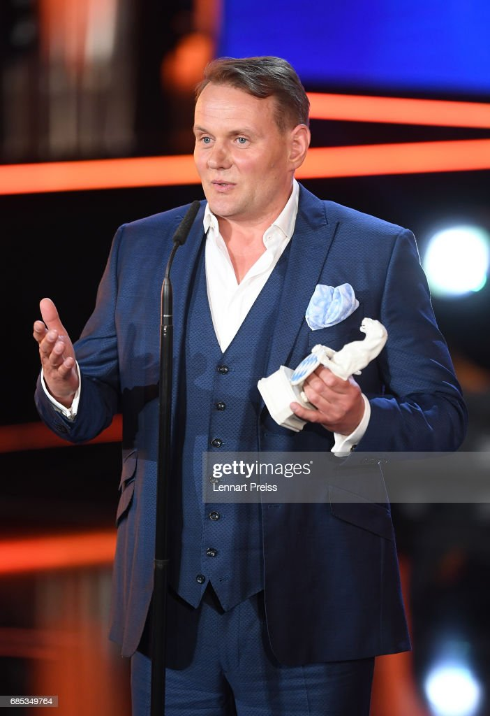 Devid Striesow, winner of the category 'Best Male Actor', speaks during the Bayerischer Fernsehpreis 2017 show at Prinzregententheater on May 19, 2017 in Munich, Germany.