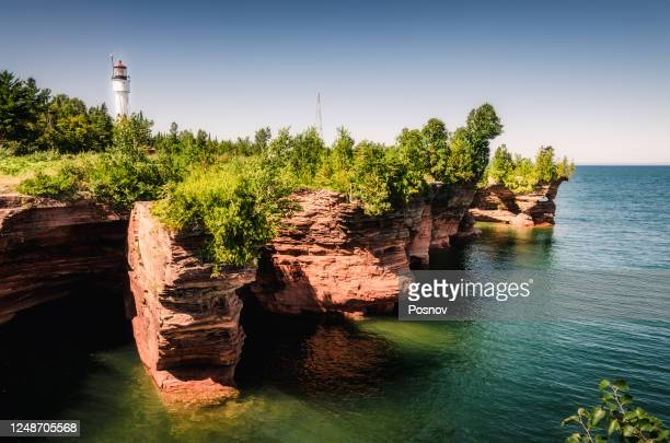devils island lighthouse at apostle islands - lake superior stock pictures, royalty-free photos & images