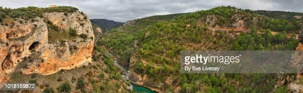 devils window panorama - cuenca provincia de cuenca fotografías e imágenes de stock