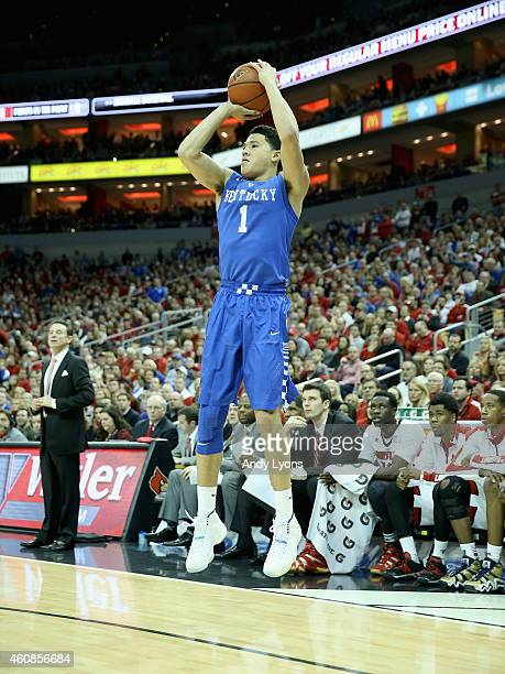 Devin Booker of the Kentucky Wilcats shoots the ball during the game against the Louisville Cardinals at KFC YUM Center on December 27 2014 in...