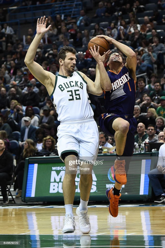 Phoenix Suns v Milwaukee Bucks
