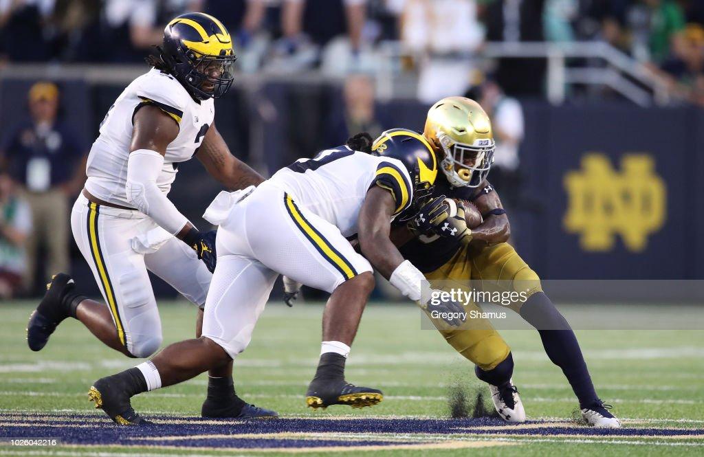 Michigan v Notre Dame : News Photo