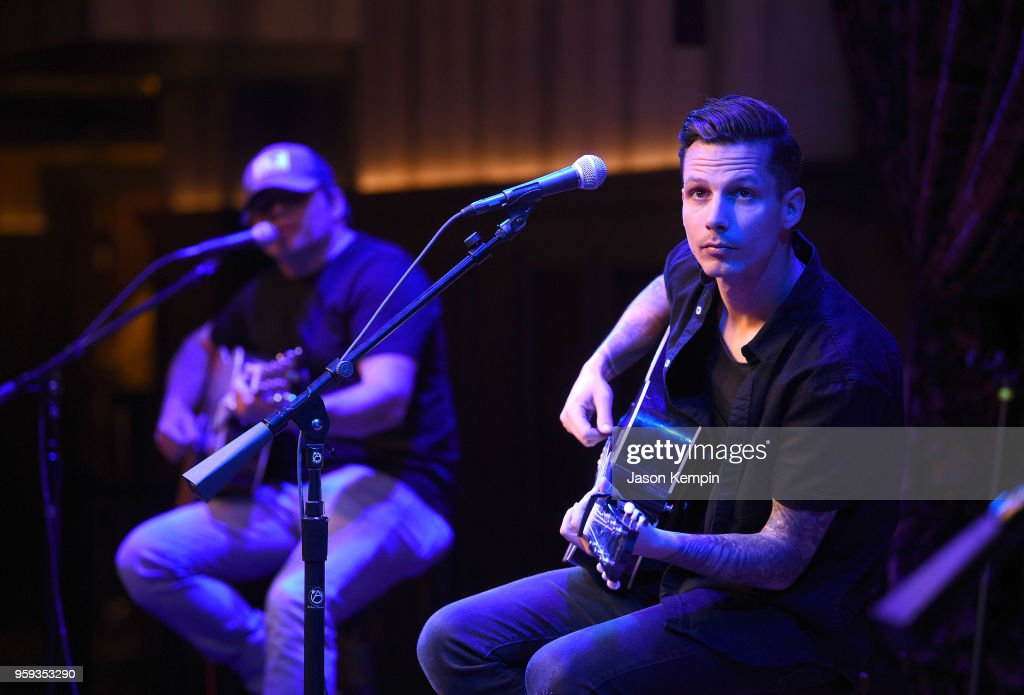 Devin Dawson performs during A Songwriters Round Benefiting City Of Hope at Analog at the Hutton Hotel on May 16, 2018 in Nashville, Tennessee.