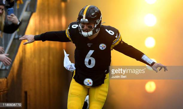 Devlin Hodges of the Pittsburgh Steelers runs onto the field during introductions before the game against the Cleveland Browns at Heinz Field on...