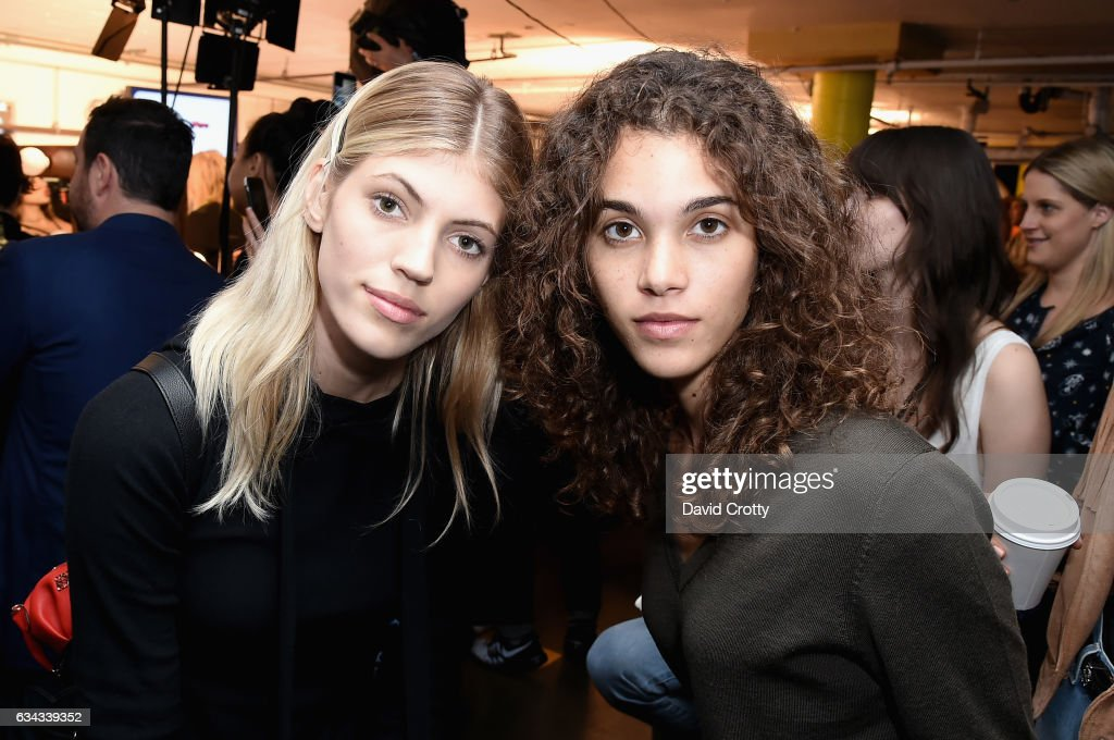 Tommy Hilfiger Spring 2017 Women's Runway Show - Backstage : News Photo