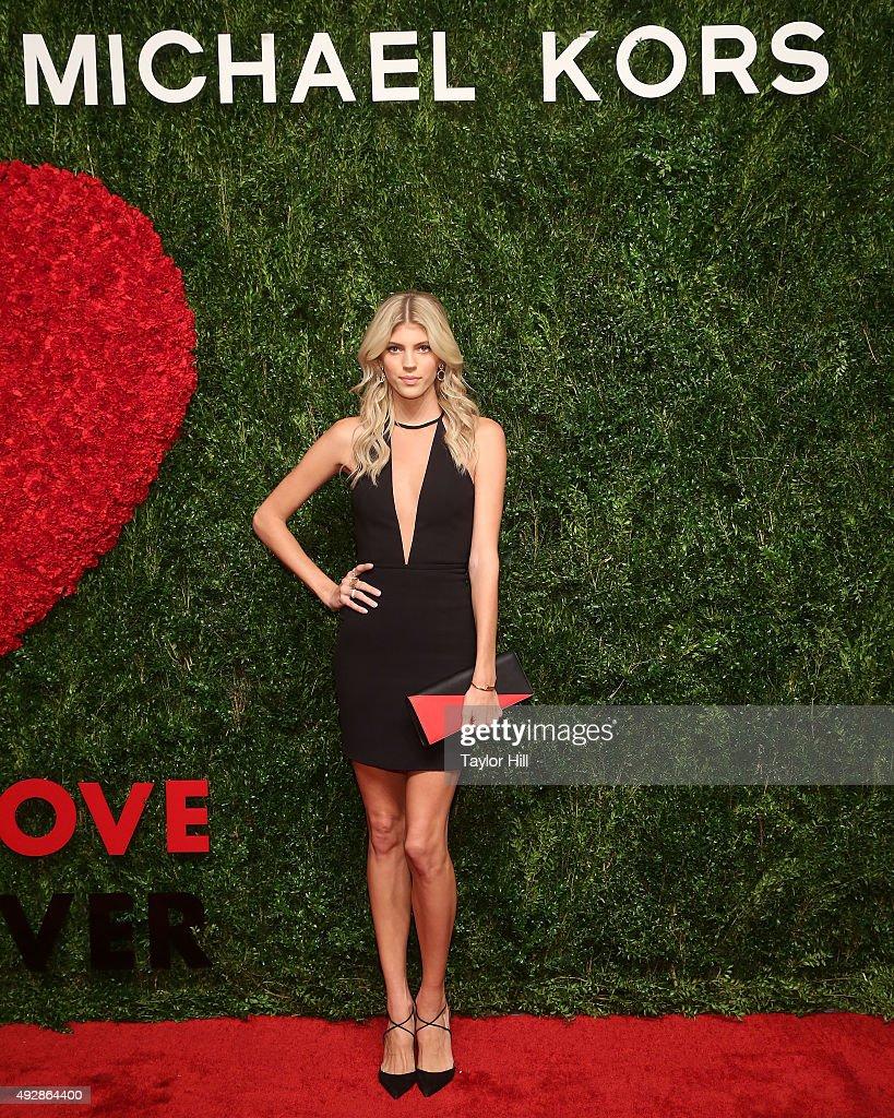 Devon Windsor attends the 2015 God's Love WE Deliver Golden Heart Awards at Spring Studios on October 15, 2015 in New York City.
