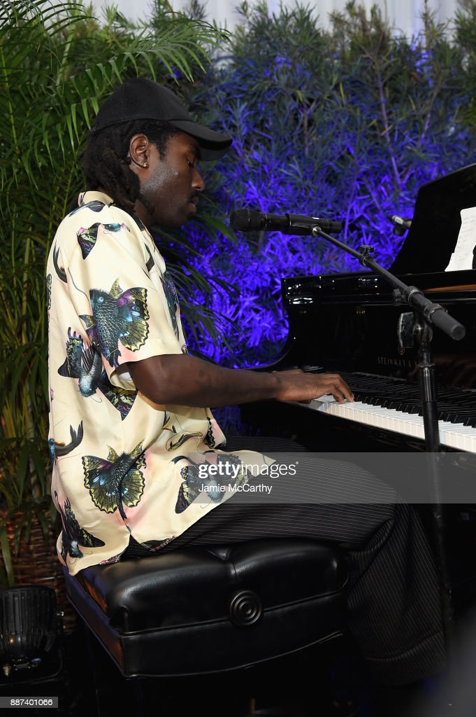 Devonte Hynes performs during the Artsy Projects Miami x Gucci: Special Thanks to Bombay Sapphire at The Bath Club on December 6, 2017 in Miami Beach, Florida.