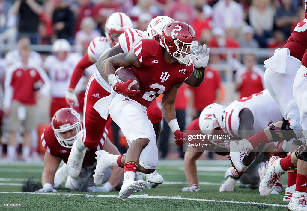 Devonte Williams #2 of the Indiana Hoosiers runs with the ball during the game aganst the Nebraska Cornhuskers at Memorial Stadium on October 15, 2016 in Bloomington, Indiana.