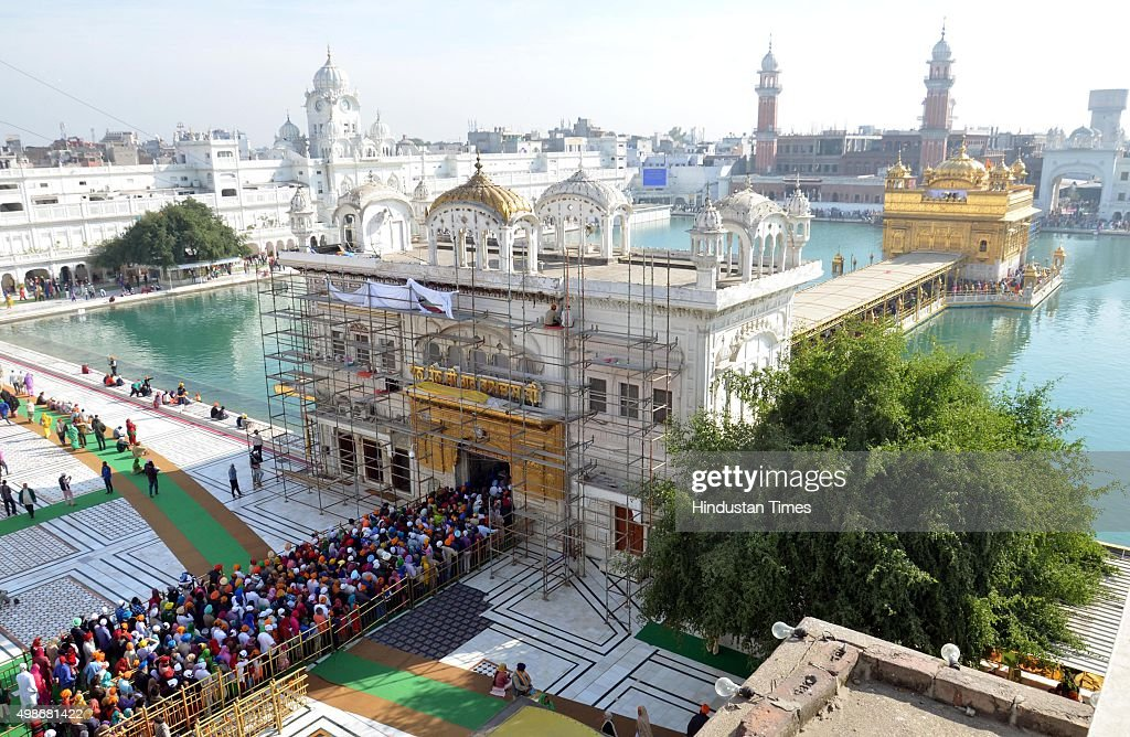 Devotees pay obeisance at Golden Temple on the occasion of the 547th birth anniversary of Guru Nanak Dev on November 25 2015 in Amritsar India Guru...