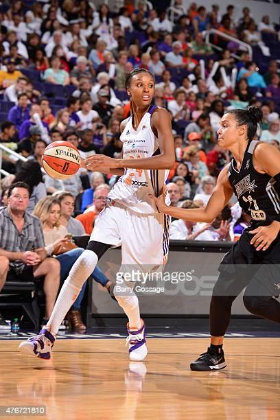 DeWanna Bonner of the Phoenix Mercury drives against the San Antonio Stars on June 5 2015 at Talking Stick Resort Arena in Phoenix Arizona NOTE TO...
