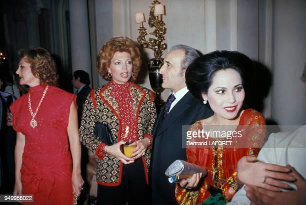 Dewi Sukarno et Ira de Furstenberg lors d'une soirée circa 1970