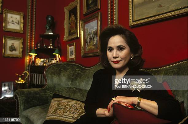 Dewi Sukarno shows her book in Paris France in December 1993 Dewi Sukarno in a Paris friend apartment