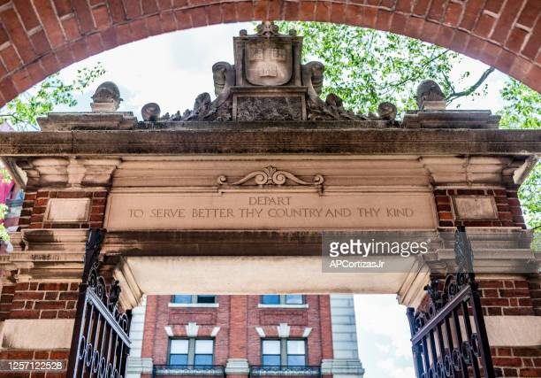 dexter gate harvard university - harvard yard stock pictures, royalty-free photos & images