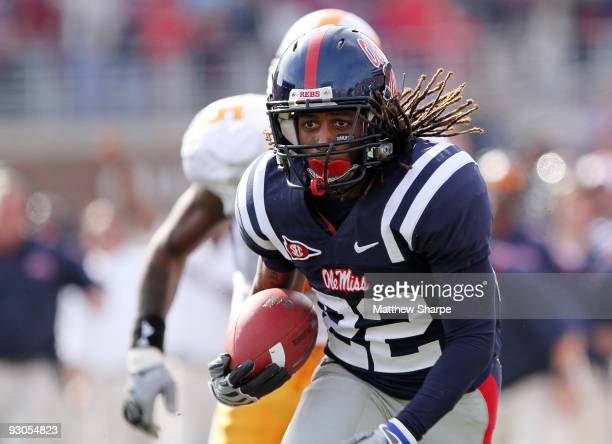 Dexter McCluster of the Ole Miss Rebels runs for a touchdown against the Tennessee Volunteers at VaughtHemingway Stadium on November 14 2009 in...