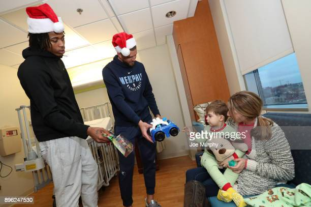 Deyonta Davis and Chandler Parsons of the Memphis Grizzlies visits with children on December 18 2017 at LeBonheur Children's Hospital in Memphis...