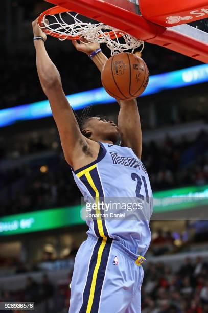 Deyonta Davis of the Memphis Grizzlies dunks against the Chicago Bulls at the United Center on March 7 2018 in Chicago Illinois NOTE TO USER User...