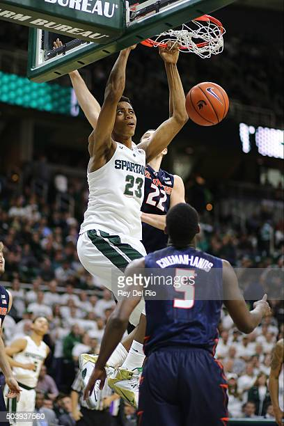 Deyonta Davis of the Michigan State Spartans dunks the ball during the game against the Illinois Fighting Illini in the second half at the Breslin...