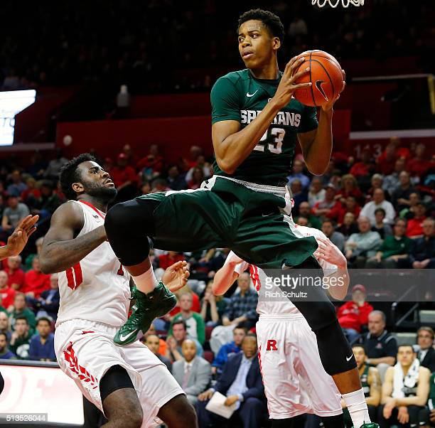 Deyonta Davis of the Michigan State Spartans in action against the Rutgers Scarlet Knights during the first half of a college basketball game at the...
