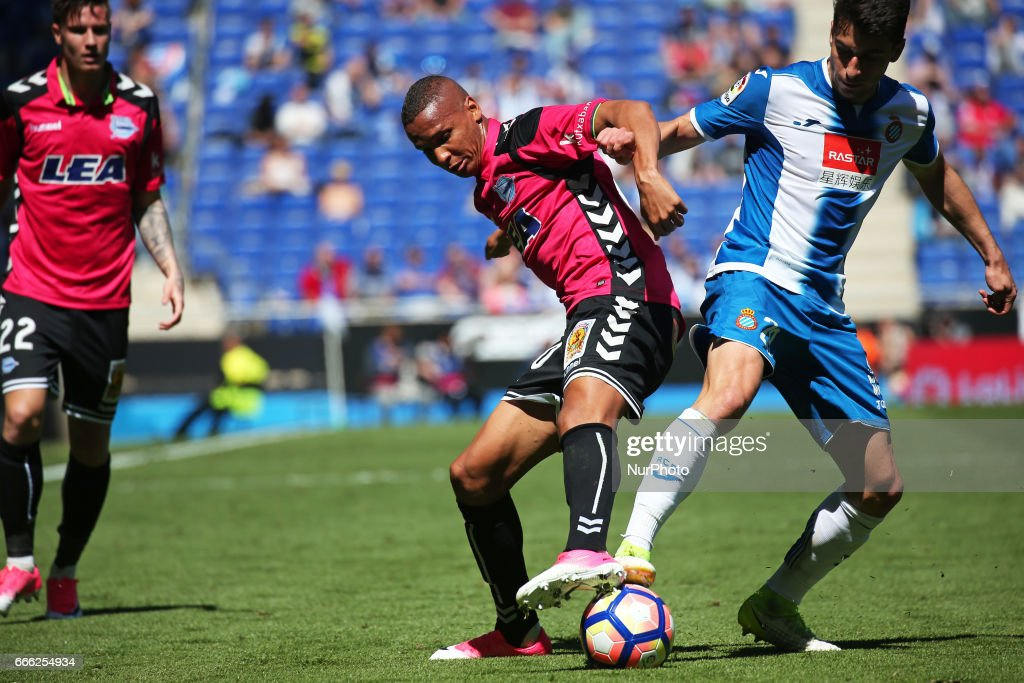 Deyverson and Marc Roca during the match between RCD Espanyol and Deportivo Alaves, on April 08, 2017.