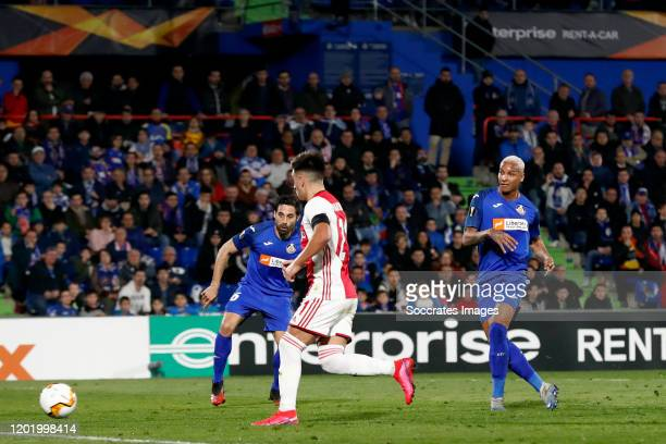 Deyverson of Getafe scores the first goal to make it 1-0 during the UEFA Europa League match between Getafe v Ajax at the Coliseum Alfonso Perez on...