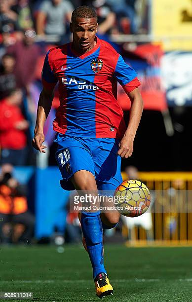 Deyverson of Levante runs with the ball during the La Liga match between Levante UD and FC Barcelona at Ciutat de Valencia on February 07 2016 in...