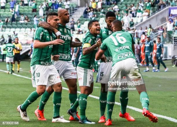 Deyverson of Palmeiras celebrates after scoring their first goal during the match between Palmeiras and Flamengo for the Brasileirao Series A 2017 at...