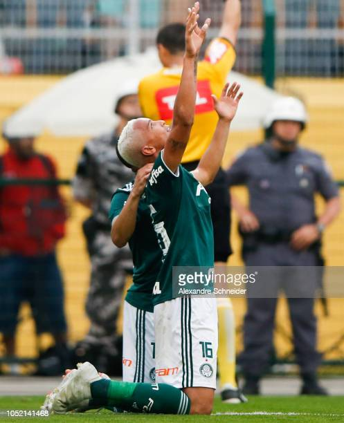 Deyverson of Palmeiras celebrates after scoring their second goal during the match against Gremio for the Brasileirao Series A 2018 at Pacaembu...