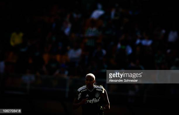 Deyverson of Palmeiras in action during the match against Ceara for the Brasileirao Series A 2018 at Pacaembu Stadium on October 21 2018 in Sao Paulo...