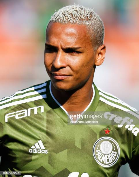Deyverson of Palmeiras looks on before the match against Ceara for the Brasileirao Series A 2018 at Pacaembu Stadium on October 21 2018 in Sao Paulo...
