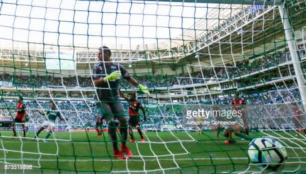 Deyverson of Palmeiras scores their second goal during the match between Palmeiras and Flamengo for the Brasileirao Series A 2017 at Allianz Parque...