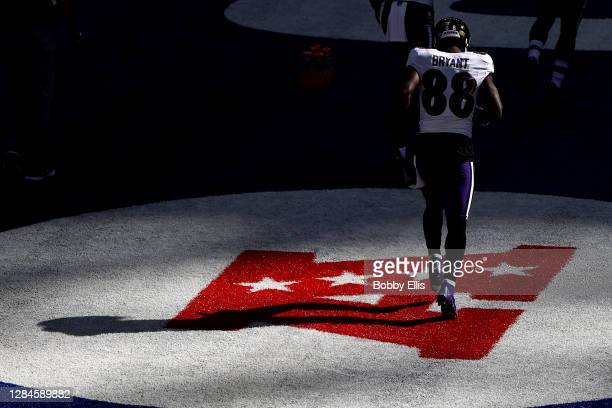 Dez Bryant of the Baltimore Ravens warms up against the Indianapolis Colts at Lucas Oil Stadium on November 08, 2020 in Indianapolis, Indiana.