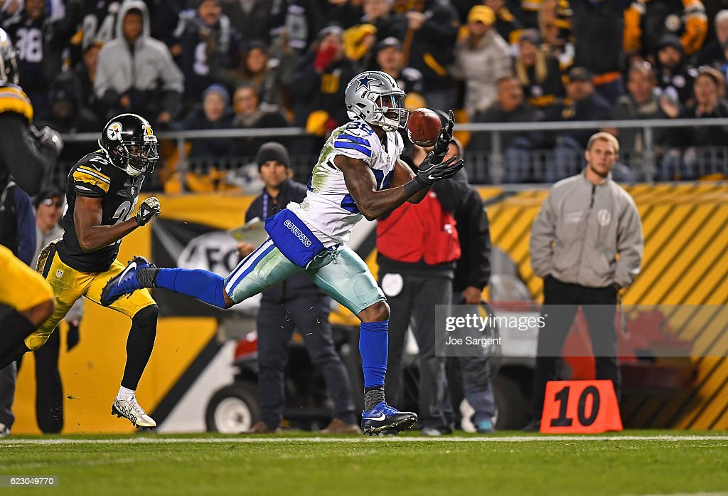 Dez Bryant #88 of the Dallas Cowboys catches a pass for a 50 yard touchdown reception in the third quarter during the game against the Pittsburgh Steelers at Heinz Field on November 13, 2016 in Pittsburgh, Pennsylvania.