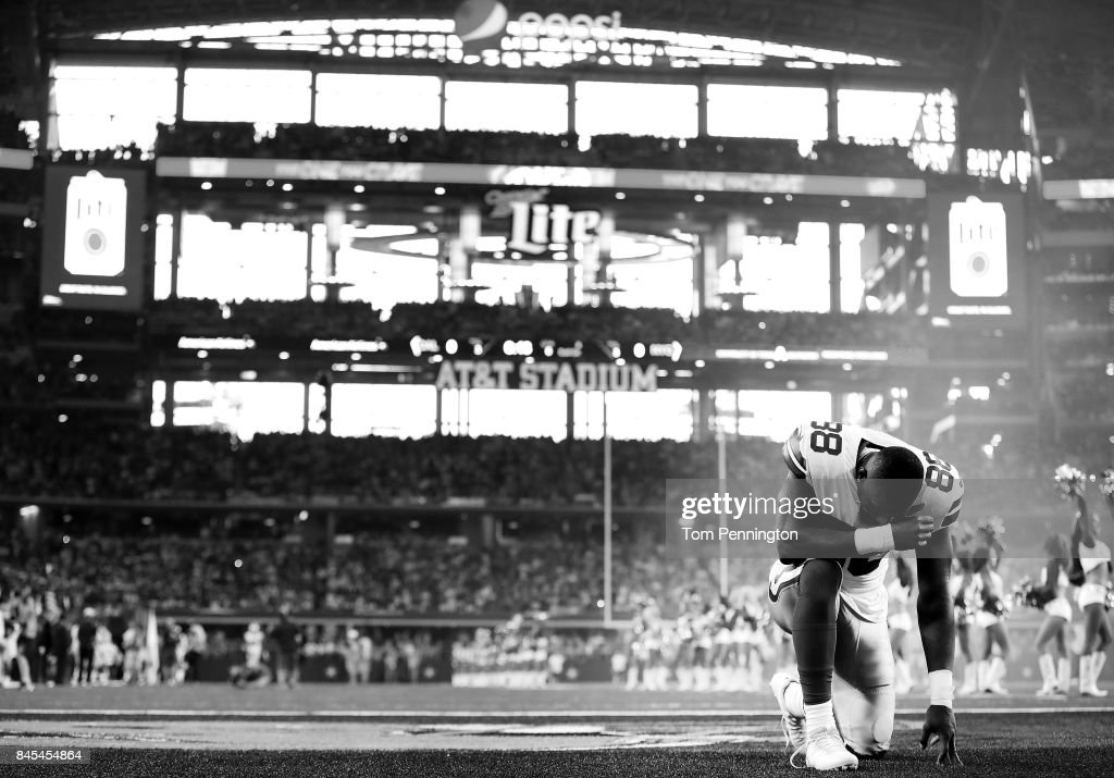 Dez Bryant #88 of the Dallas Cowboys prepares to take on the New York Giants at AT&T Stadium on September 10, 2017 in Arlington, Texas.