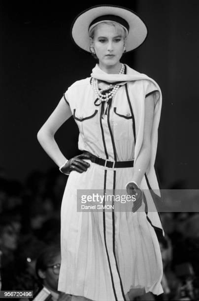 Défilé Chanel collection PrêtàPorter Printemps/été 1983 à Paris en octobre 1982 France