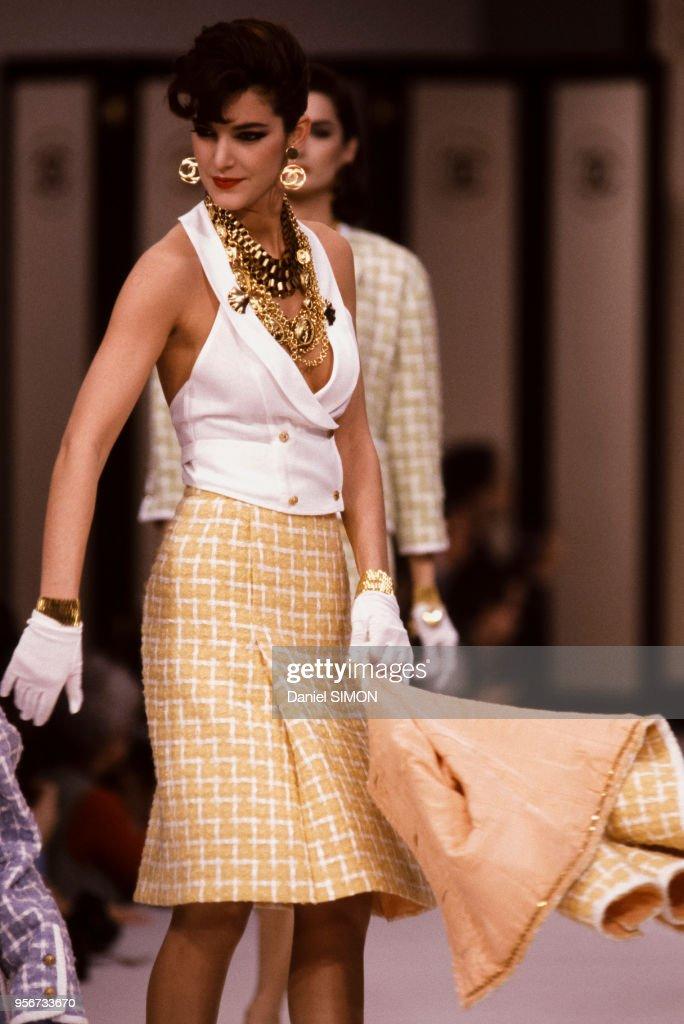 Mode Prêt-à-Porter Printemps-Eté 1983 : News Photo