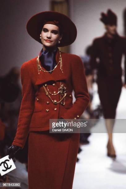 Défilé Chanel, Haute-Couture, collection Automne-Hiver 83/84 à Paris le 26 juillet 1983, France.