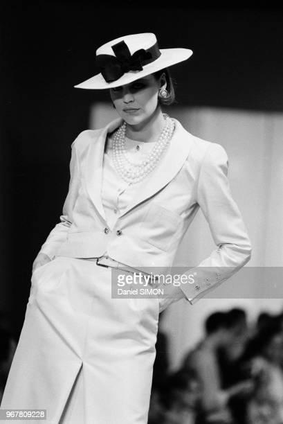 Défilé Chanel PrêtàPorter collection Printempsété 1984 à Paris le 17 octobre 1983 France
