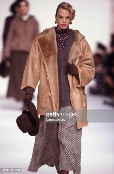 Défilé Christian Dior, Prêt-à-Porter, collection Automne/hiver 1989 à Paris le 15 mars 1989, France