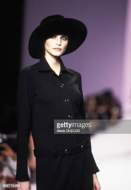 Défilé de prêtàporter automnehiver 1996 de Anna Sui à NewYork EtatsUnis