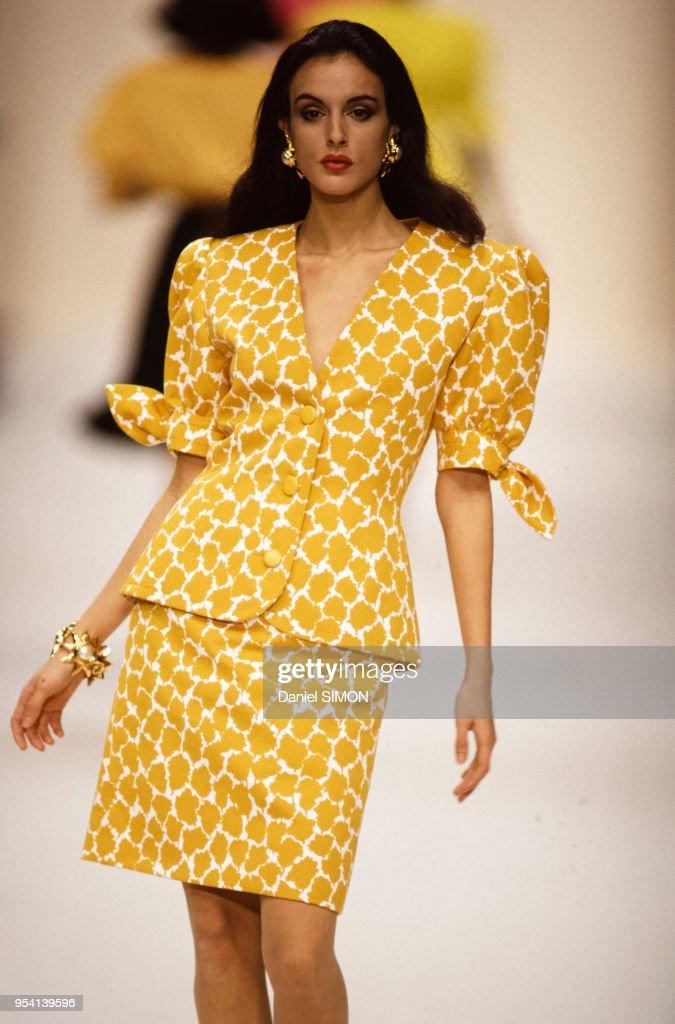 Mode Prêt-à-porter Printemps-Eté 1992 : News Photo