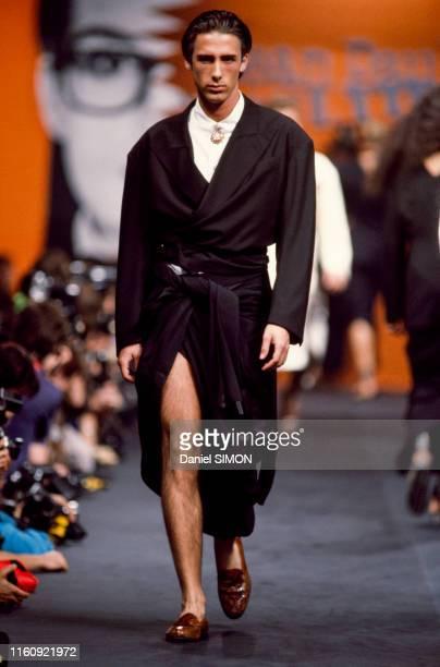 Défilé Jean-Paul Gaultier, Prêt-à-Porter, collection Printemps-été 1985 à Paris le 20 octobre 1984, France.