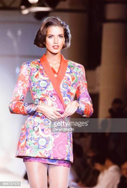 Défilé Versace en juillet 1990 à Paris France
