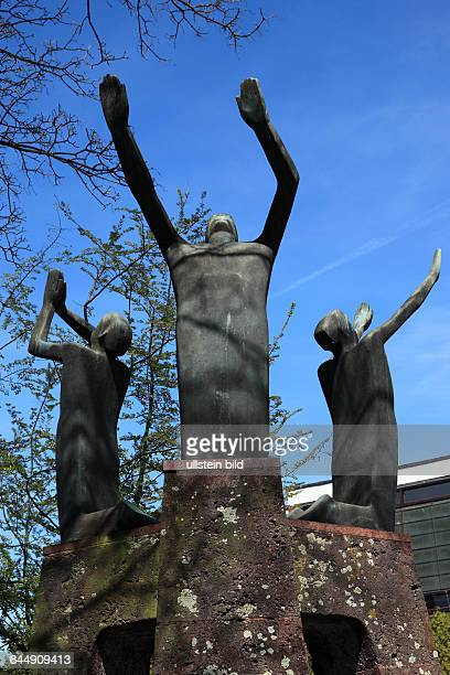 DGoch Niers Lower Rhine Rhineland North RhineWestphalia NRW sculptures group Die Drei Juenglinge Im Feuerofen Holocaust memorial