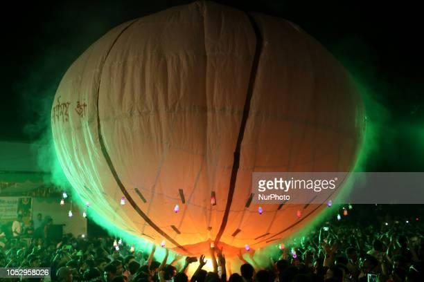 Dhaka Bangladesh Buddhist devotees fly hotairballoon also known as fanush during the Probarona Purnima at a Buddhist temple in Dhaka Bangladesh on...