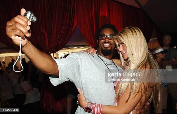 Dhani Jones of the Philadelphia Eagles and Anna Nicole Smith