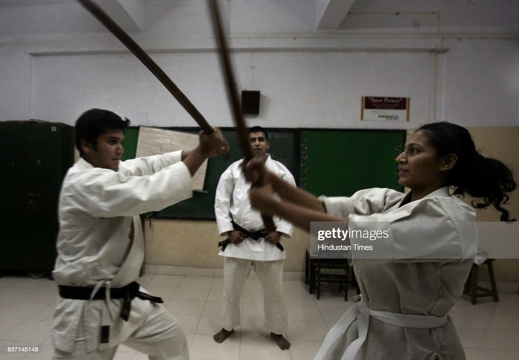 Dhani Solanki's sword fighting class with Mehul Vora  News Photo